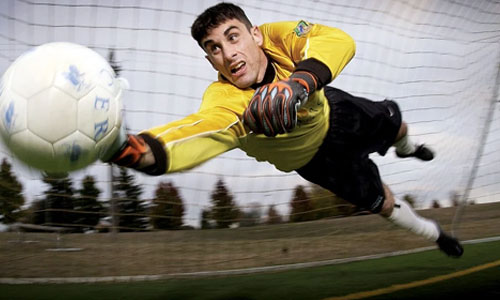 5 Ways Athletes Can Deal with Pressure During Tournaments goal keeper - 5 Ways Athletes Can Deal with Pressure During Tournaments